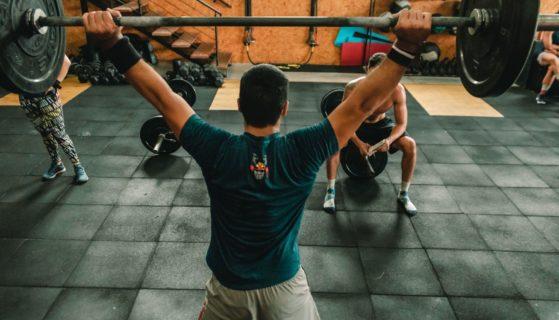 Jaki wpływ na organizm sportowca ma glutamina?